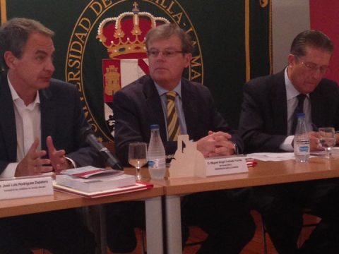 From left to right: ICDP Honorary Commissioner Mr. Jose Luis Rodriguez Zapatero, the Rector of the University of Castilla- La Mancha Mr. Miguel Ángel Collado and ICDP President Mr. Federico Mayor.